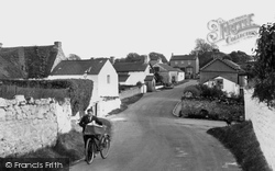 Village 1936, Llysworney