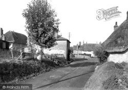 Lockeridge, The Village c.1955