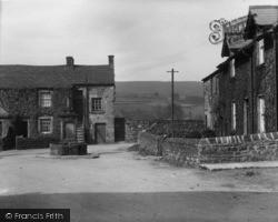 The Square c.1932, Lofthouse