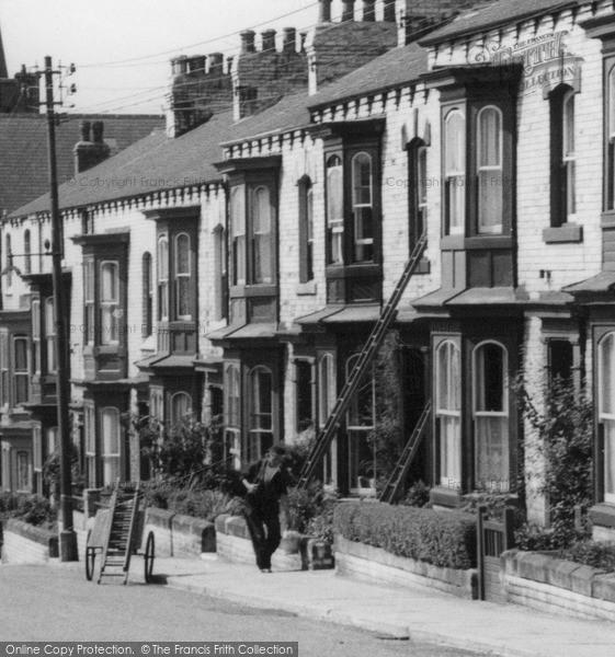 Photo of Loftus, the Window Cleaner, Westfield Terrace c1960