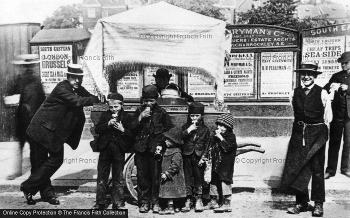 London, A Hokey Pokey (Ice Cream) Stall, Greenwich 1884