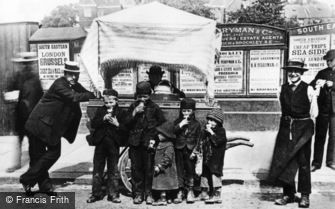 London, A Hokey Pokey (Ice Cream) Stall, Greenwich 1884