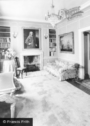 London Colney, Salisbury Hall, Interior c.1955