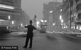 London, Holborn, evening rush hour 1958