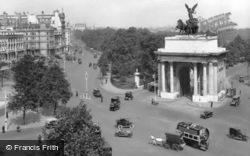 London, Hyde Park Corner, The Wellington Arch 1915