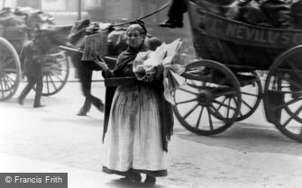 London, Newspaper Seller c1890