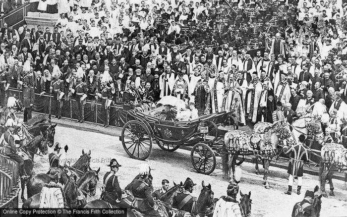 Queen Victorias Diamond Jubilee Procession through London