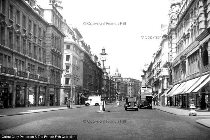 Photo of London, Regent Street c.1950