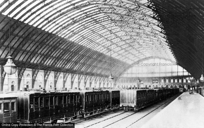 Photo of London, St Pancras Station c1886, ref. L130068