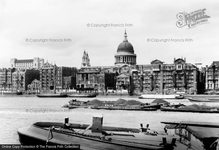 Photo of London, St Paul's Cathedral From River Thames c.1950