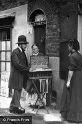 London, Street Doctor 1877