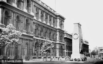 London, the Cenotaph c1950