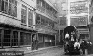London, The George Inn, Southwark c1875