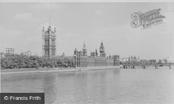 London, The Houses Of Parliament c.1955