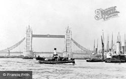 London, Tower Bridge 1894