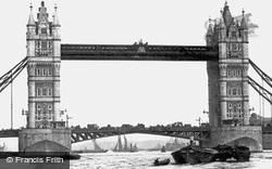 Tower Bridge 1910, London