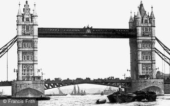 London, Tower Bridge 1910