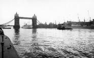 London, Tower Bridge c.1960