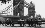London, Tower Bridge c.1965