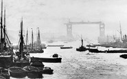 London, Tower Bridge Under Construction 1890