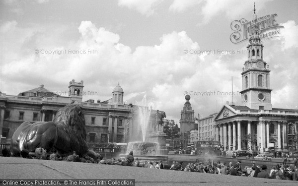 Photo of London, Trafalgar Square 1964