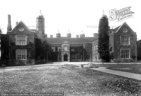 liston hall essex