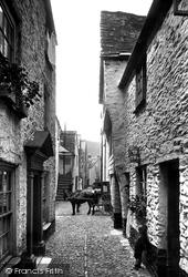 Old Street 1912, Looe