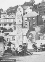 Looe, The Front, Sundial 1922