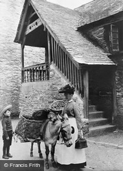 The Old Guildhall 1906, Looe