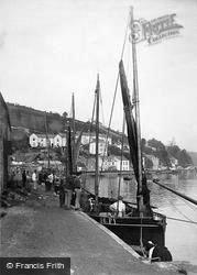 The Quays 1888, Looe