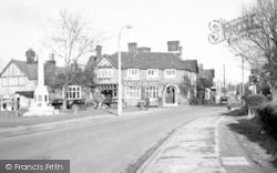 Loughton, Kings Head Hotel And Memorial c.1955