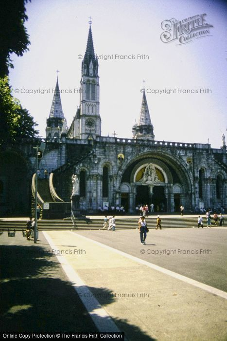 Photo of Lourdes, Basilica Of Our Lady Of The Rosary 1994