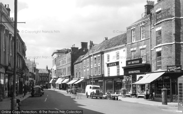 Photo of Louth, Mercer Row c.1950