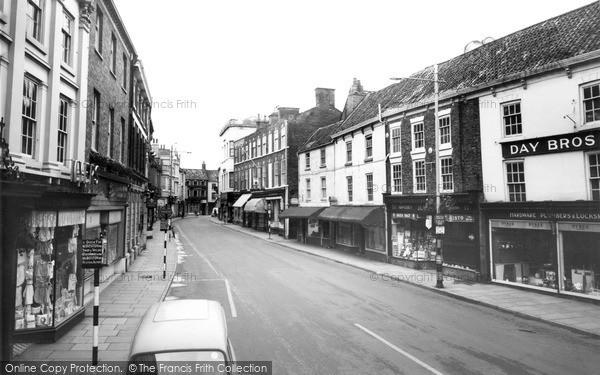 Photo of Louth, Mercer Row c.1960