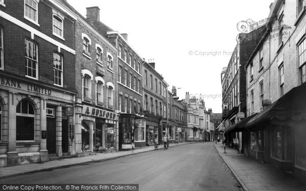 Photo of Louth, Mercer Row c.1960
