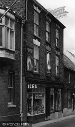 Louth, Shop In Upgate 1949