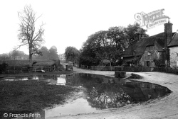 The Pond 1907, Lower Froyle