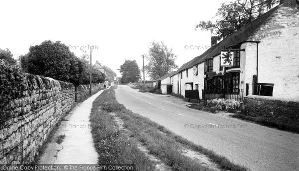 Lower Heyford, Station Road c1965