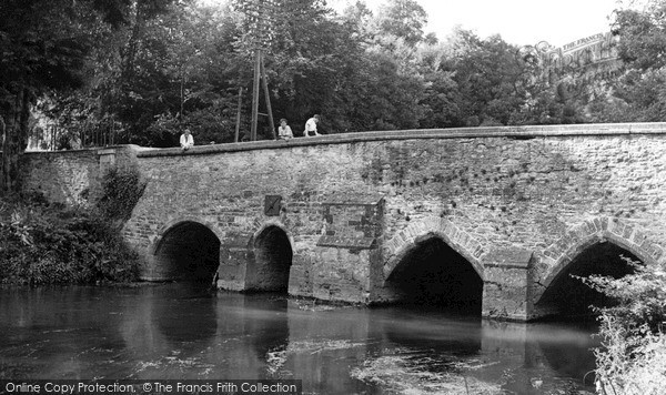 Lower Heyford, the Long Bridge c1955