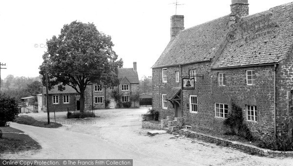 Lower Heyford, the Square c1955