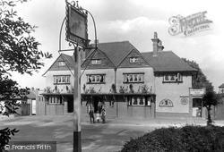 Lower Kingswood, The Fox 1915