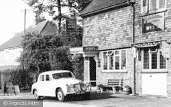 Lower Kingswood, The Mint Arms c.1960