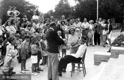 Lowestoft, The King And Queen Of Guntonia, Gunton Hall Holiday Camp c.1955