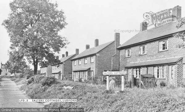 Photo of Ludford, Salters Cottages c.1950