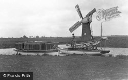 'quanting' By The Windmill c.1931, Ludham