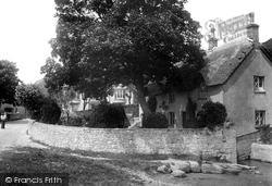 The Village 1903, Lulworth Cove