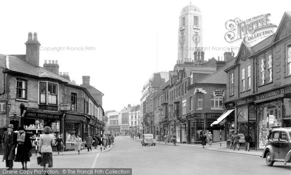 Photo of Luton, Manchester Street c.1950