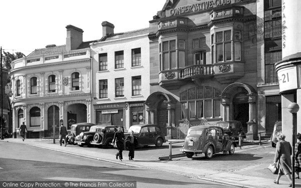 Luton Market Hill C 1950 Francis Frith