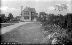 Luton, Memorial Park Lodge 1924