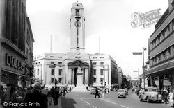 The Town Hall c.1960, Luton